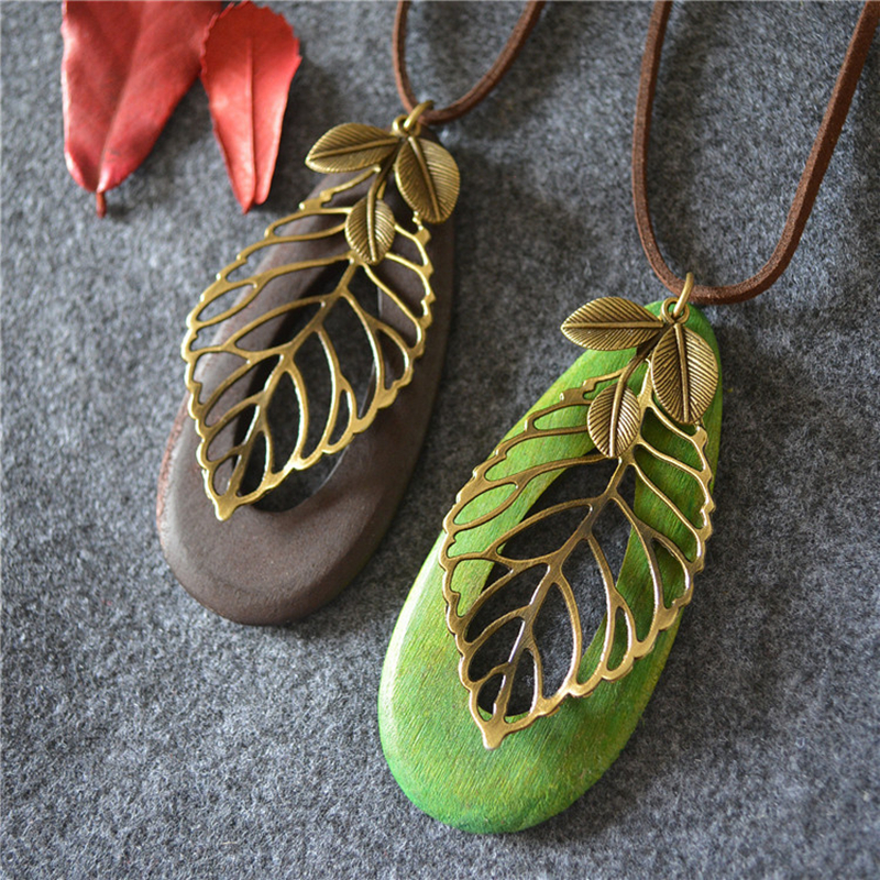 8SEASONS Fashion Jewelry Wood Oval Brown Green Pendants Metal Bronze Color Hollow Leaves Vintage Leather Rope Necklace, 1 Piece