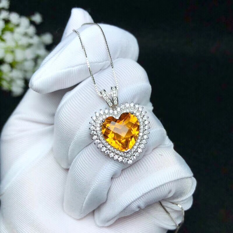 Shopkeeper s recommendation the latest necklace 925 pure silver Topaz necklace lady s boutique beautiful heart