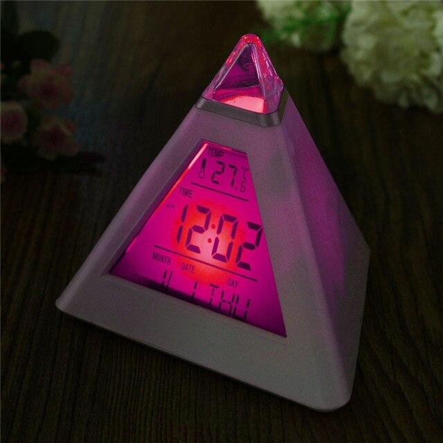 Charminer 7 LED Пирамида изменить цвет цифровые часы с датой сигнализации Температура будильник ABS + электронный компонент
