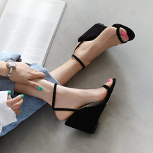 Meifeini المرأة صندل خشبي 2019 جديد سميكة مع جولة رئيس الأحذية الصيف مفتوحة اصبع القدم الأزياء الأنيقة عالية الكعب