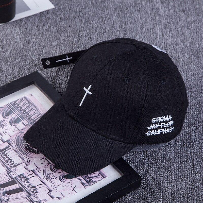 ... Nueva gorra de béisbol cruzada bordada para hombre señora al aire libre  bordado curvo parasol gorra de hueso snapback gorras hip hop casquette  sombreros ... a788ef03211