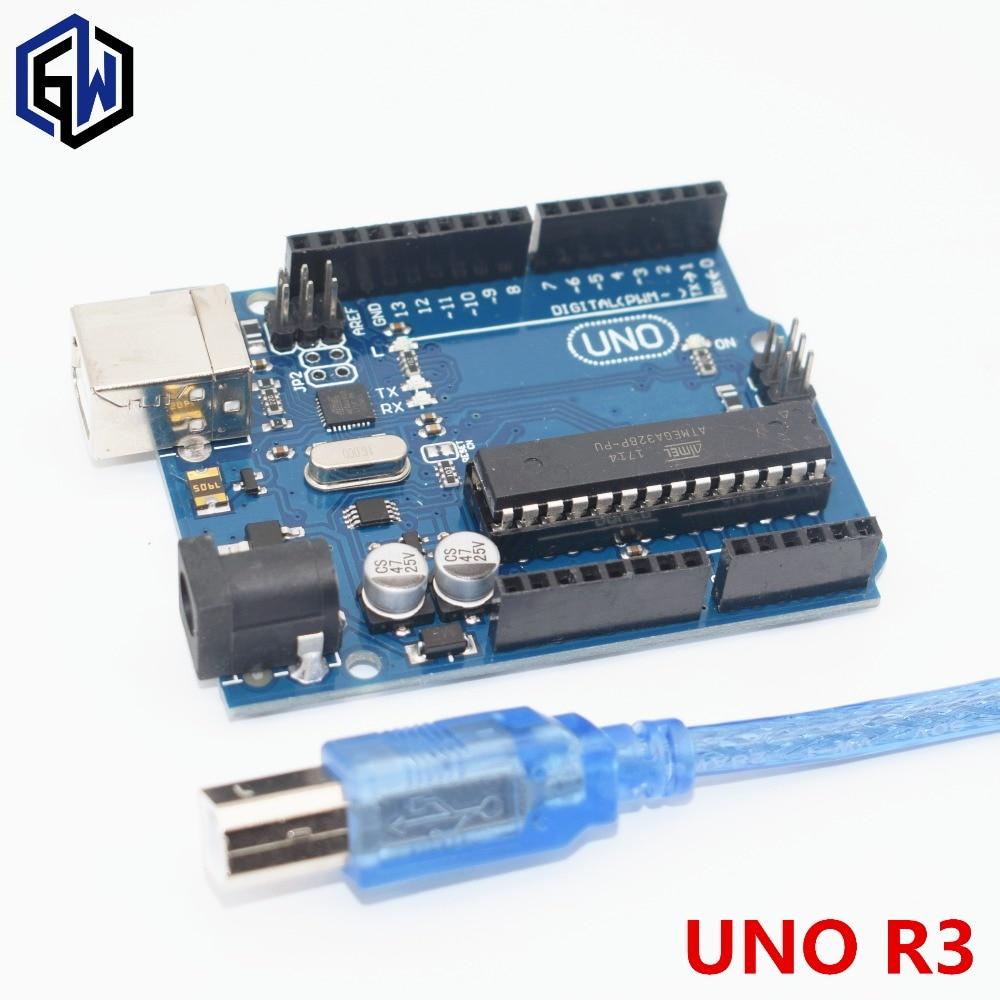 Un ensemble UNO R3 MEGA328P ATMEGA16U2 Compatible DIP UNO R3 La version classique