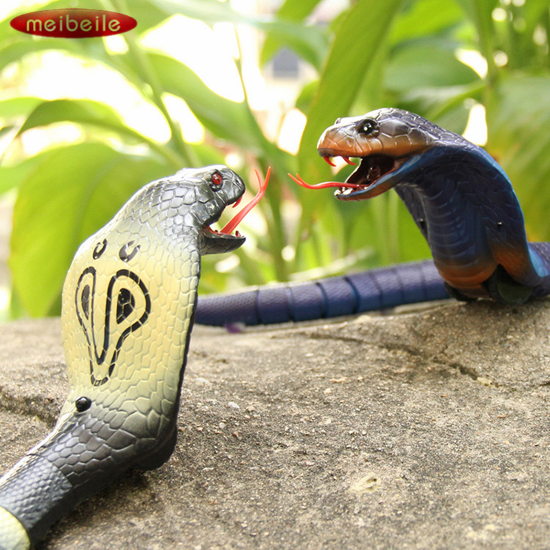 все цены на Funny Remote Control Naja Cobra Plastic Snake Toy for Children Gift Interesting Egg Radio Control Toy High Simulation King Cobra