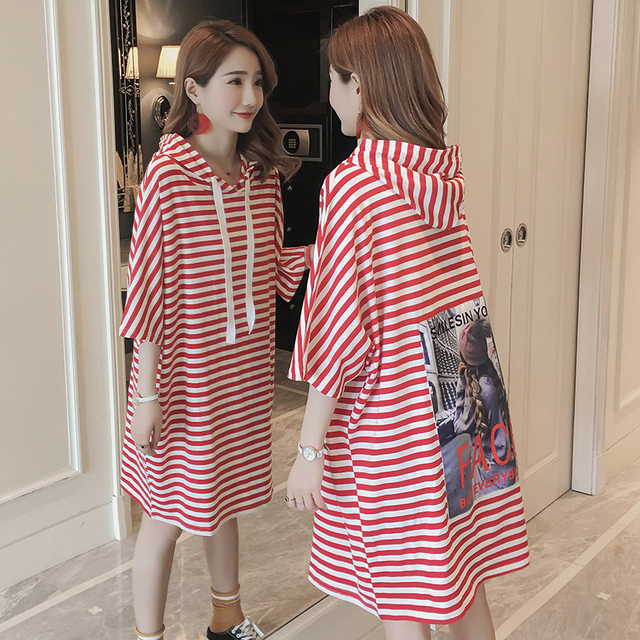 00440103050b Patch Print Batwing Sleeve Oversized Women s T-shirt Casual Style Loose Red White  Striped Hooded Short Sleeve Long T-shirt Vogue