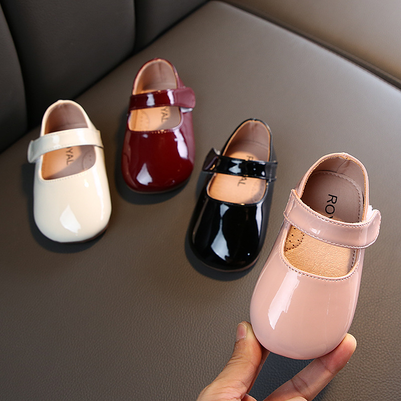 New Fashion Patent Leather Shallow Princess Shoes Baby Girl First Walkers Infant Toddler Girls Dress Shoes Black Shoes For Girl