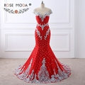 Rosa Moda de Luxo Fortemente Frisado Laço Vermelho Da Sereia Vestido de Baile com a Parte Traseira do Nu Handmade 3D Flores Botões de Pérola Festa Formal vestido