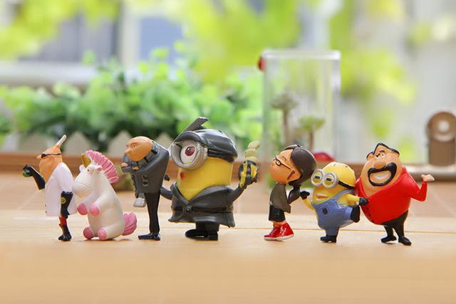 Minion Miniature Figurines 14 piece set
