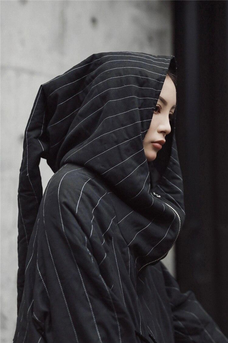 Cakucool nowa kurtka zimowa kobiety Parka Gothic przewodnik z kapturem nowość projekt X długi parki Oversize bawełna płaszcz kobiet Mujer Plus w Parki od Odzież damska na  Grupa 3