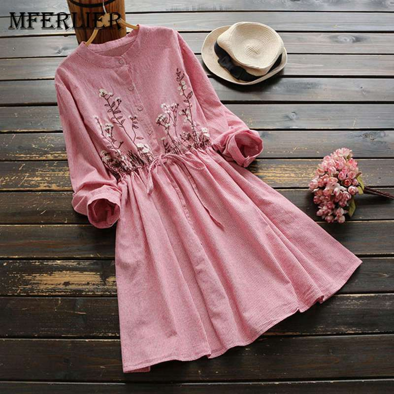c164dd45419e 2018 New Runway Designer Flare Sleeve Fashion Sexy Deep V-neck Mini-dress  Pink