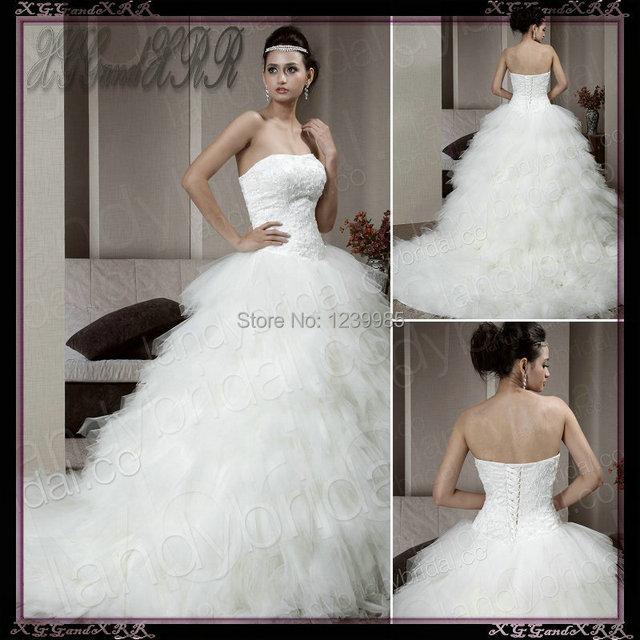 Fashionable Ball Gown Strapless Chapel Train Ivory Organza Lace Up Corset Wedding Dress 2017 Romantic Ruffle