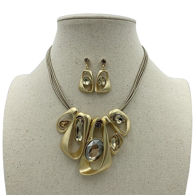 Large Geometric Shaped Pendant Necklace and Earrings Set