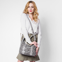 REALER brand new women genuine leather handbag serpentine pattern leather tote bag large capacity casual ladies shoulder bags