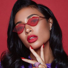 Sexy Red Lips Sunglasses 90S Hippie Vintage sun galsses for Women Festival Rave