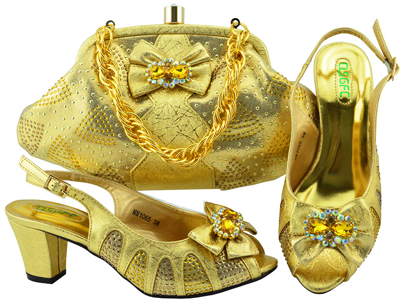 New Gold Color Italian Shoes and Bags To Match Shoes with Bag Set Decorated with Rhinestone Shoes and Bag Set African Sets 2018 все цены