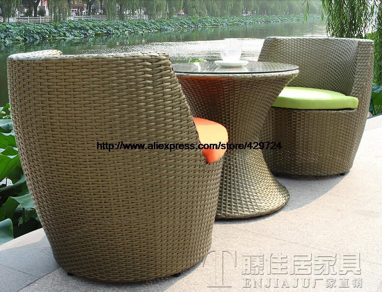 Garden sofa interesting garden sofa for you for Creative patio furniture