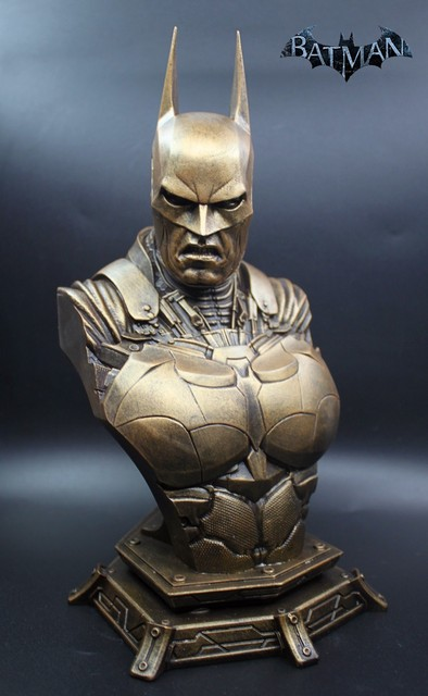 Бюст Бэтмен материал смола 2