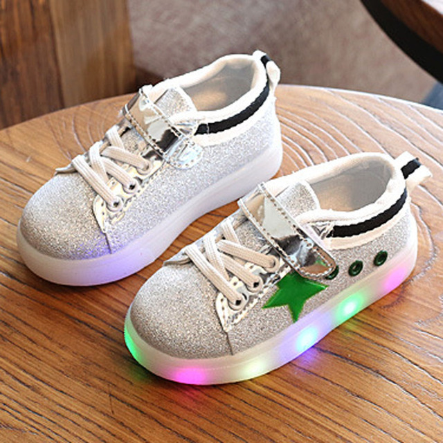 2017 Spring Kids Casual Shoes Light Up Boys Sneakers Children Glowing Shoes Glitter Sport Shoes