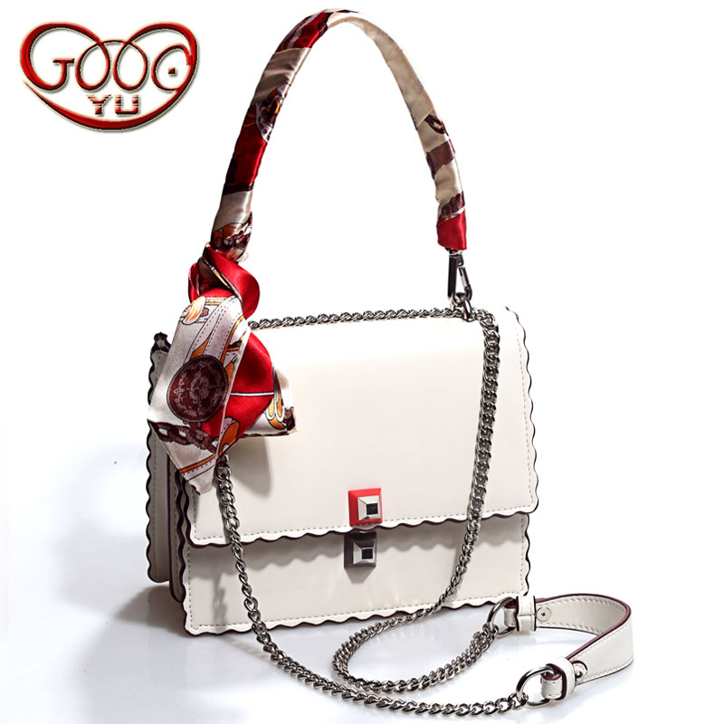 Interpretation of the elegant and gorgeous women chain bag exquisite details of the perfect fusion of women leather handbags punctuation interpretation chinese
