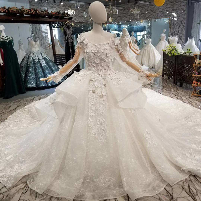 b68ef75fa72ff Aliexpress.com : Buy LSS075 quick free shipping beauty wedding gowns o neck  long sleeve ball gown petal 3D flowers wedding dresses with royal train ...