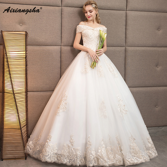 Elegant Glamorous Appliques V Neck Short Sleeve Lace up Ball Gown ...