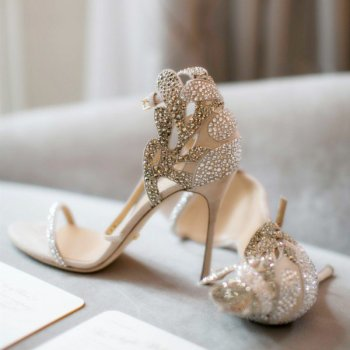 Romantic Women Rhinestone Suede Carved Bridal Sandals Ladies Patched Colors Crystal Leaves Cover Heel Gladiator Open toe Shoes