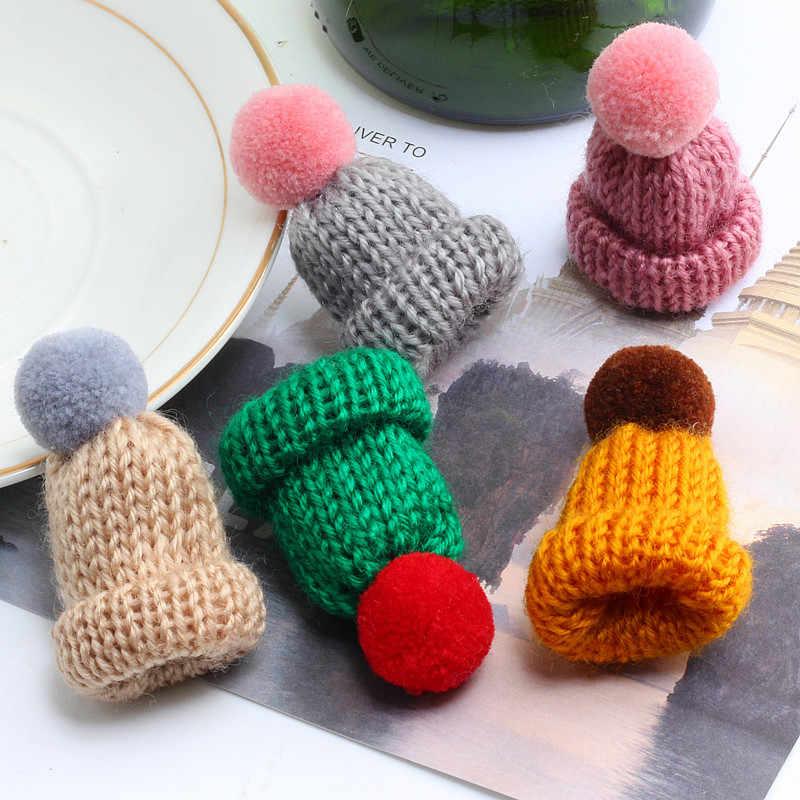 Indah Gadis Mini Topi Bros Pins Wanita Sweater Rajutan Hairball Mantel Kerah Kerah Pin Lencana Wanita Bros Perhiasan Aksesoris