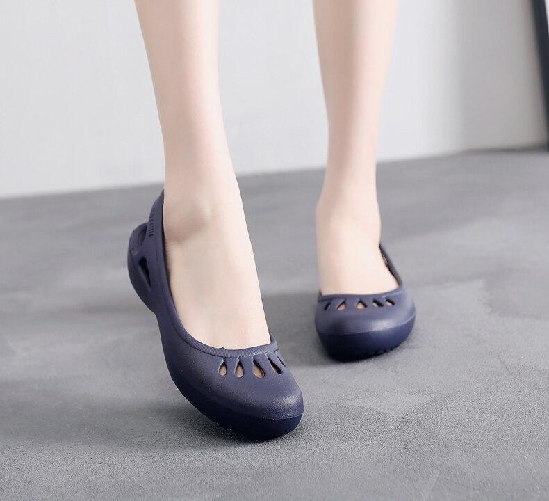 HTB1yRW2beH2gK0jSZJnq6yT1FXaO women Clogs Jelly Sandals Home Non-slip Summer Hole Shoes Female Flat slippers Plastic Female Girls Waterproof EVA Garden Shoes