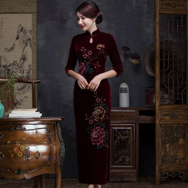 bda4e4321070b8 € 61.44 27% de réduction|Vin rouge velours traditionnel chinois Qipao robes  Stretch Cheongsam robe classique longue Qi Pao formelle Vestido ...