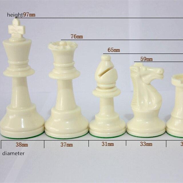 Jeu d'échecs Standard International King 97mm(3.82 pouces), grand jeu d'échecs en plastique avec échiquier, 4 jeux arrière Yernea 2