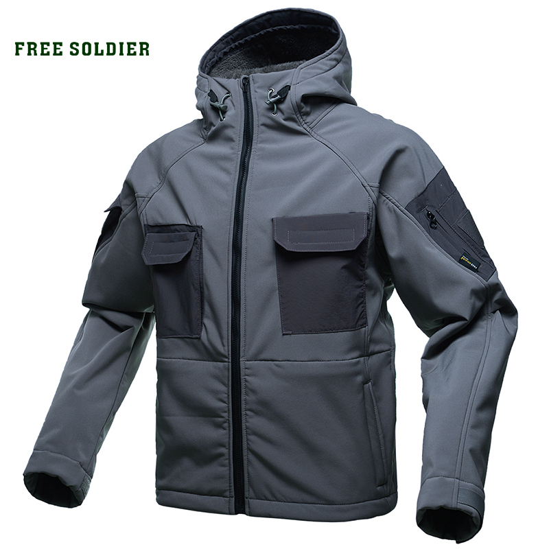 FREE SOLDIER Outdoor Sports Tactical Waterproof Soft Shell  Jacket Male Military Fans Warm Autumn And Winter Hiking Or Climbing