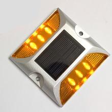 Водонепроницаемый IP68 Алюминий светодиодный на солнечных батареях дорожный шпилька высокого яркие противотуманные светодиодный