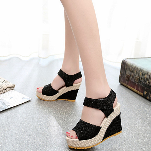 Lace Hollow Peep Toe Wedges