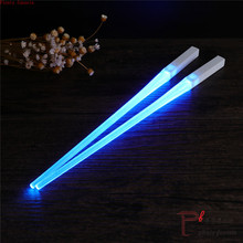 цены 1 Pair x2 of LED Lightsaber Chopsticks Light Up Durable Lightweight Portable BPA Free and Food Safe Tableware red blue 2 colors