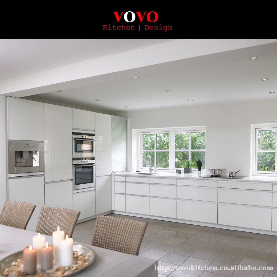 High gloss handless kitchen cabinets with large soft closing drawers ...