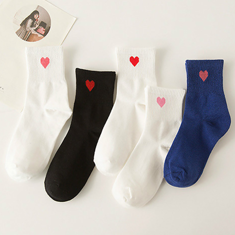 5 Colors 2017 New Women Socks Fashion Cotton Solid Socks 3D Love Heart Dot For Female Sweet Long Socks For Spring Summer