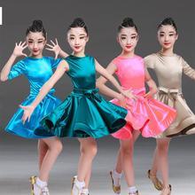 d907e4a41cf79 2019 chica largo manga corta estándar vestido de baile latino de los niños  salón de baile vestidos niños Salsa Rumba Chacha Samb.