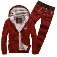 Free Shipping 2014 Autumn And Winter With Velvet Thickening Han Edition Hooded Fleece Men Sport Suit
