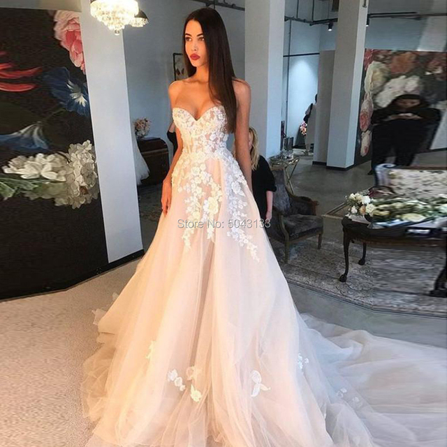 Off Shoulder Champagne Wedding Dresses 3D Ivory Appliques A Line Sweetheart Lace Corset Back Brides Married Gowns 2021 Formal 1