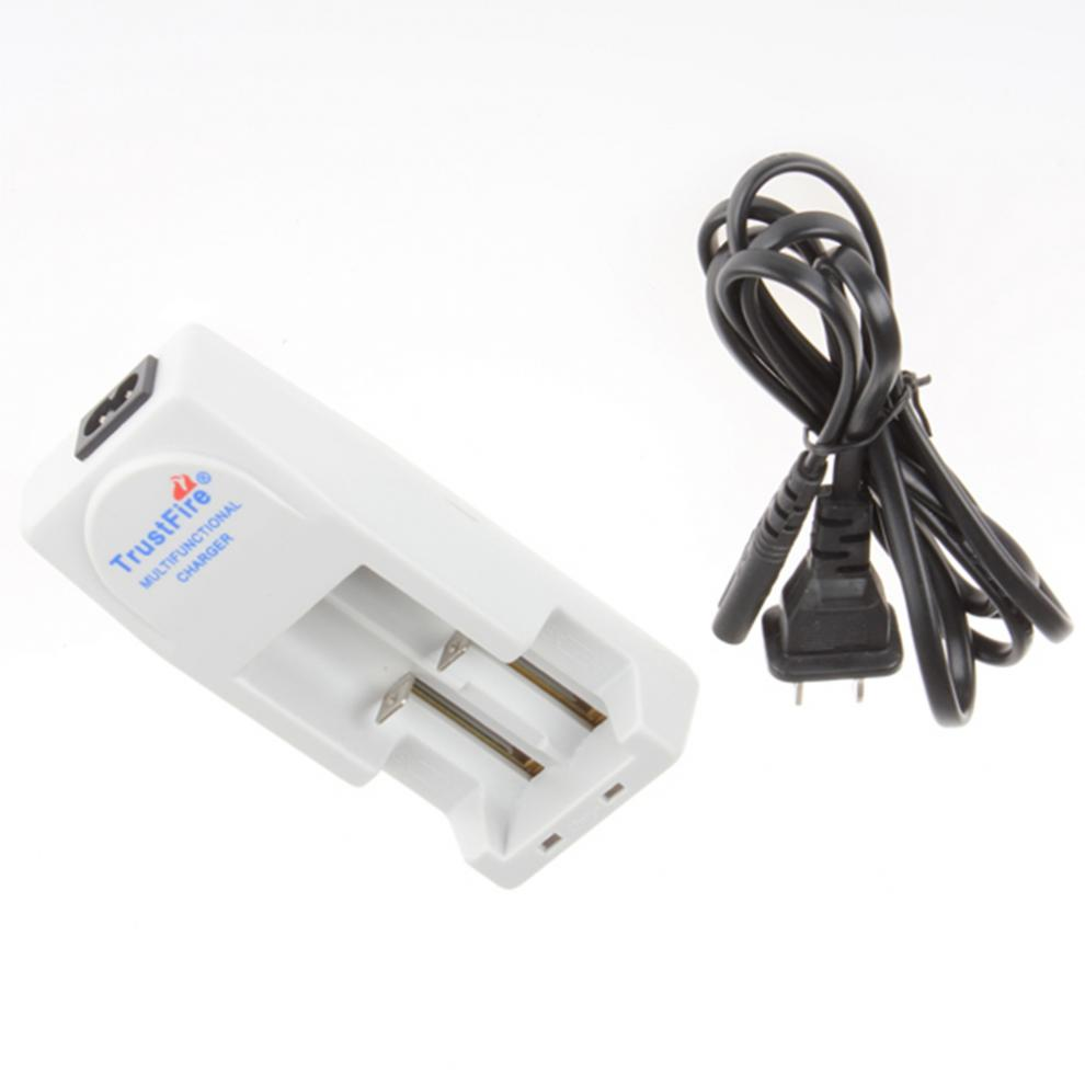 TR-001 TrustFire battery charger 18650 18500 14500 16340 CR123 3.0  or 3.7 volts