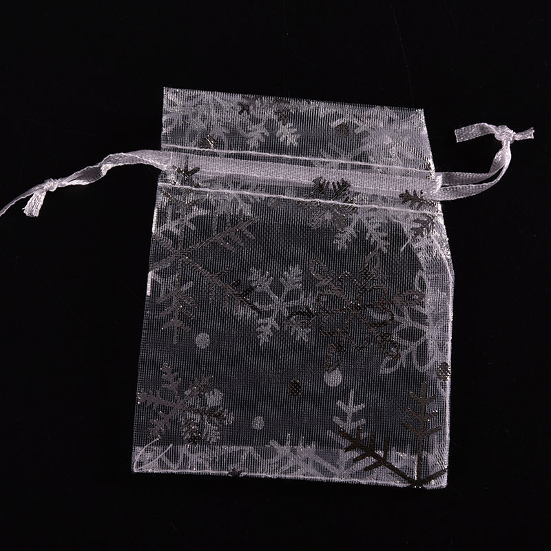 100 PCS 7*9cm Drawstring Bags White With Silver Snowflake Christmas Gift Pouches Organza Bags