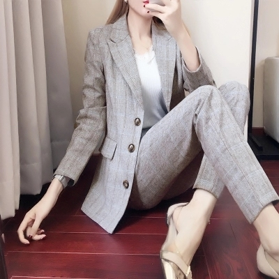 a3bf8dfd34b2b Plaid suit suit female spring and autumn 2018 New Korean ladies fashion  Slim trousers casual two-piece Women Pant Suits