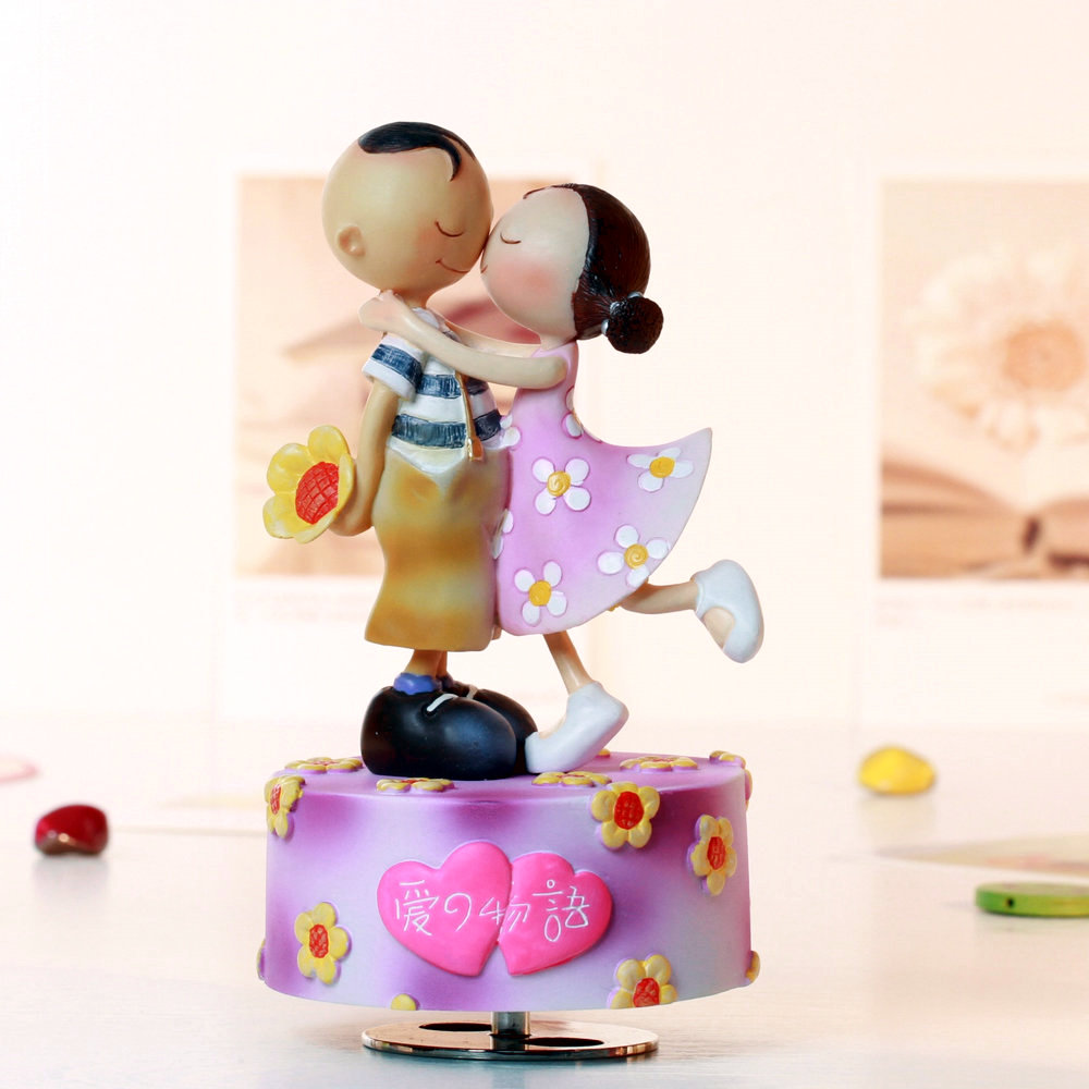 Rotating Music Box Decorations Birthday Gift For Girl Friend In Wedding And Christmas Free Shipping