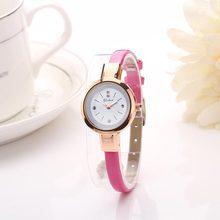 3fc303c37b4 Mujeres de moda PU correa de cuero reloj del Color del caramelo Rhinestone  pulsera reloj señoras reloj pequeño Dial reloj de cua.