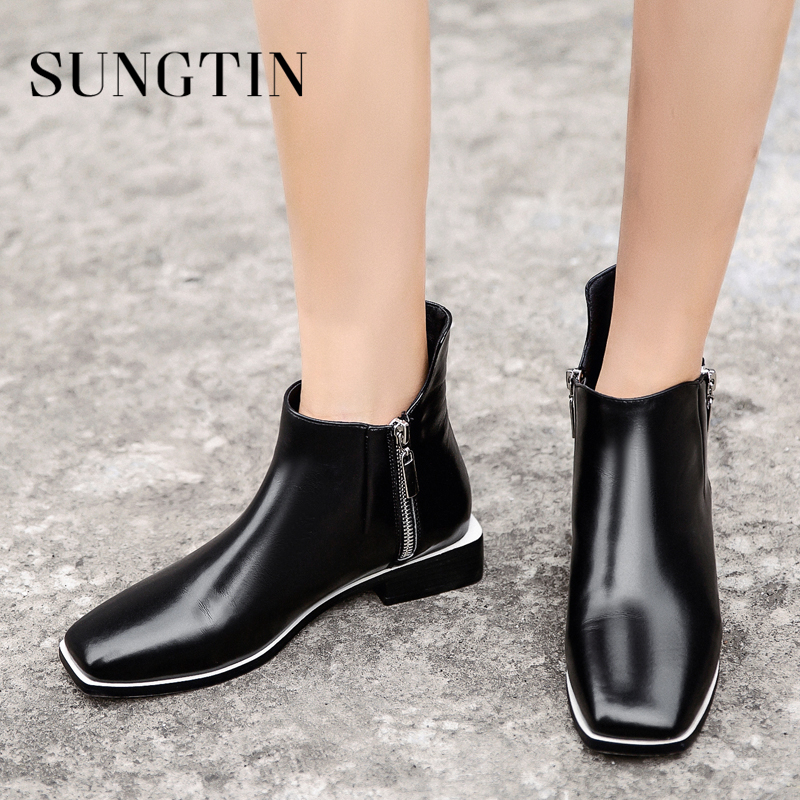 Sungtin New Classic Black White Genuine Leather Chelsea Boots Plush Warm Winter Boots Women Flat Ankle Boots Short Riding Boots xiangxue warm and fuzzy black suede flat boots for winter 2018 chelsea boots for women