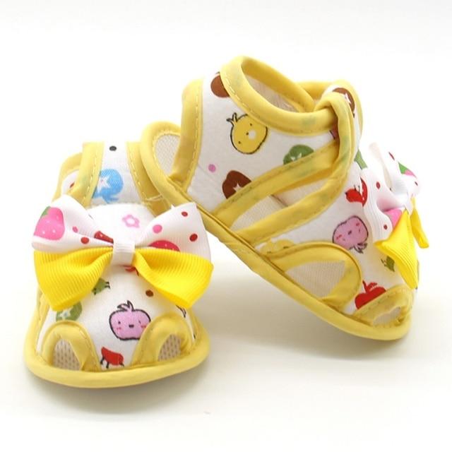 Летние для новорожденных Обувь для девочек Обувь для малышей бант принцессы с принтом дышащая обувь Предварительно Ходунки для детей 0-18 м