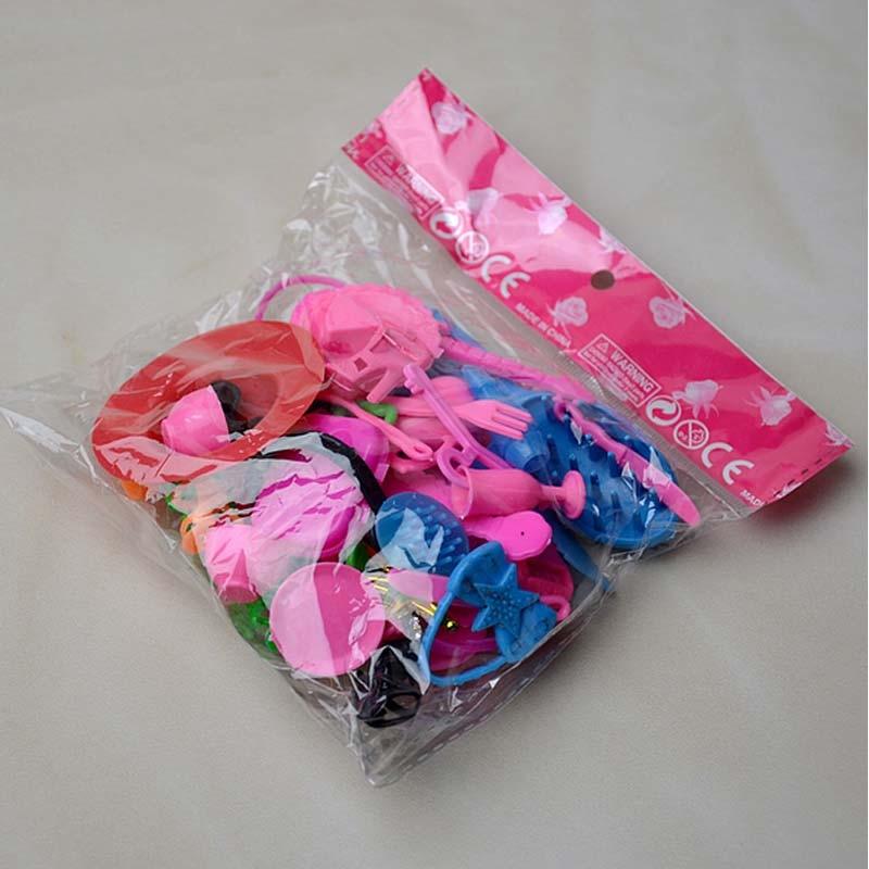 1/6 Accessoires de poupée Pack Chaussures de poupée / sac / collier / peigne / oreille / cintres
