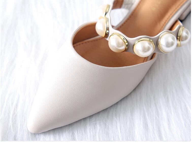 Bout Beige Chaussures Perle Sur Marque Sandales Mules Pantoufles 2019 Casual Faible Talon noir Pointu Carré Diapositives Slip N675 Femmes T47nq1wFR