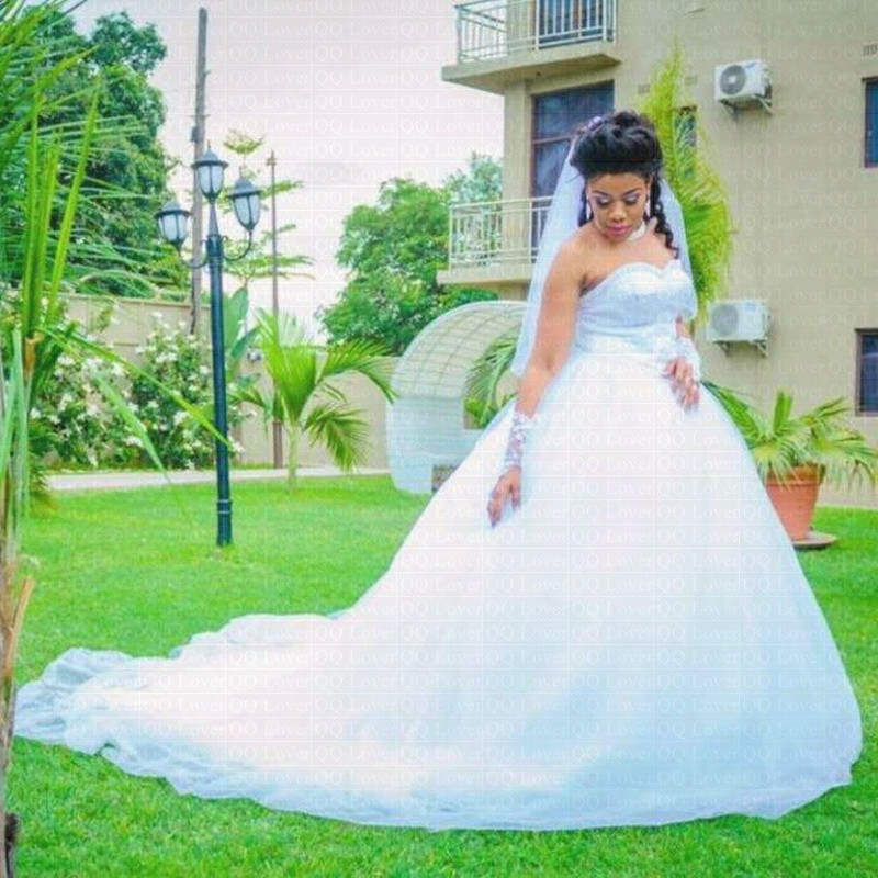 2019 New African Ball Gown Wedding Dress Elegant Pearls Beading Wedding Gown