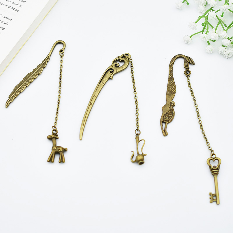DIY Cute Key Metal Bookmarks Cartoon Kawaii Deer Book Markers Paper Clips For Books Kids Gift Stationery Student 3817