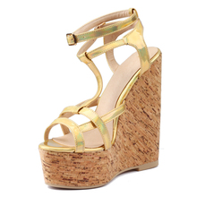 Mavirs 2016 Fashion Summer Women Golden Patent Leather Sandals Lady Wood Grain Platform Gladiator Ultra High Wedge Heel Shoes
